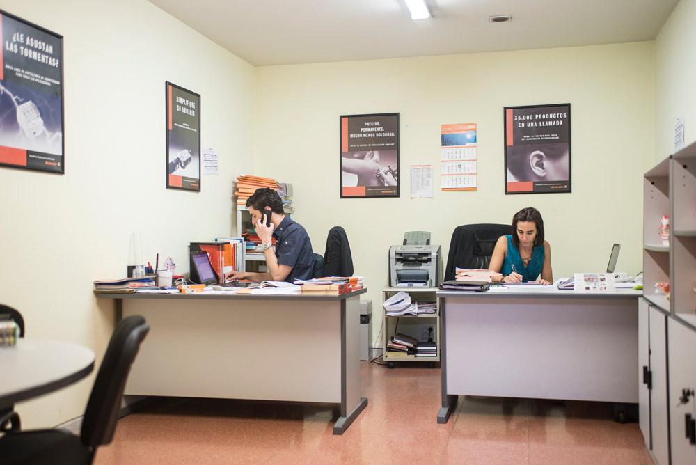 Alquilar oficina en zaragoza 2 personas for Oficinas zaragoza alquiler