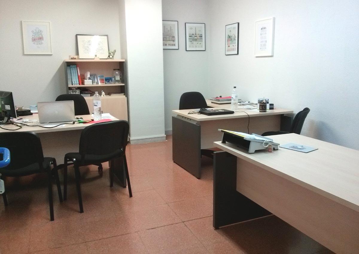 Alquilar oficina para 3 personas for Oficinas seguridad social barcelona horarios